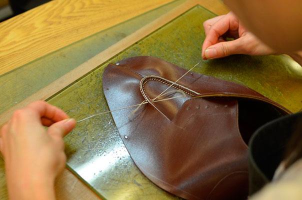 Сшивание частей верха обуви