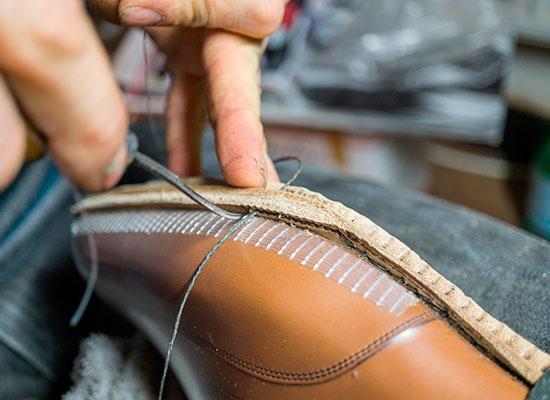 Сшивание ранта с подошвой